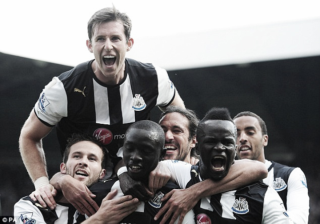 Pardew buscará mantener al Newcastle en la brecha