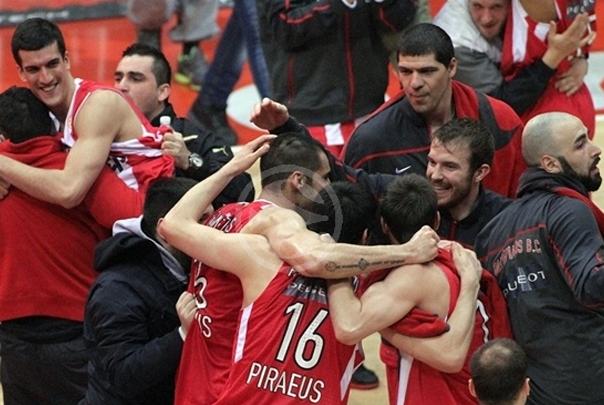 Olympiacos 76 - 69 Siena: Un gran último cuarto le vale a Olympiacos para estar en la F4
