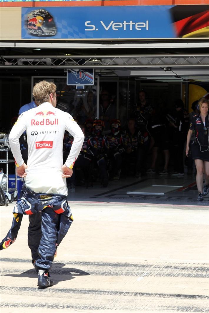 Red Bull cree que el coche de seguridad salió para aumentar el espectáculo