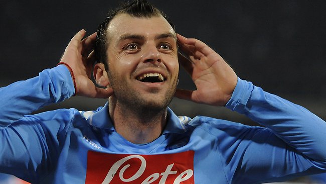 Il Napoli batte il Bordeaux e attende Cavani