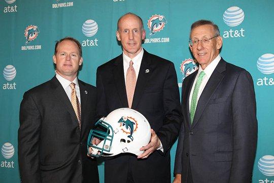 Miami confía a Joe Philbin un futuro incierto al frente de los Dolphins