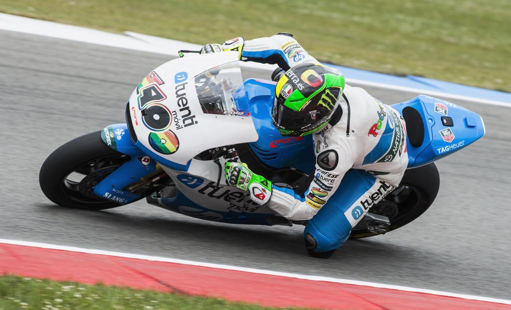 Moto2, ad Assen ancora Espargaró in pole