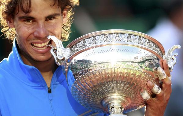 Nadal evita a Federer en Roland Garros