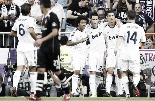 El Real Madrid logra los primeros tres puntos ante un Granada apesadumbrado