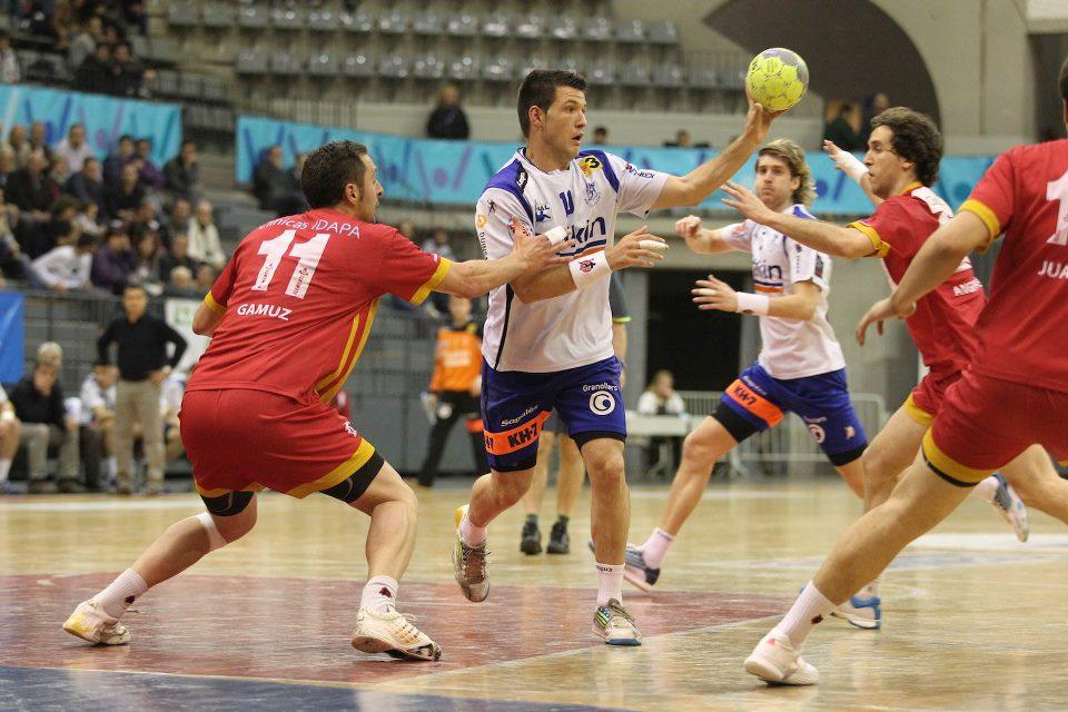 Anaitasuna y Valladolid se hunden en la quinta jornada de ASOBAL
