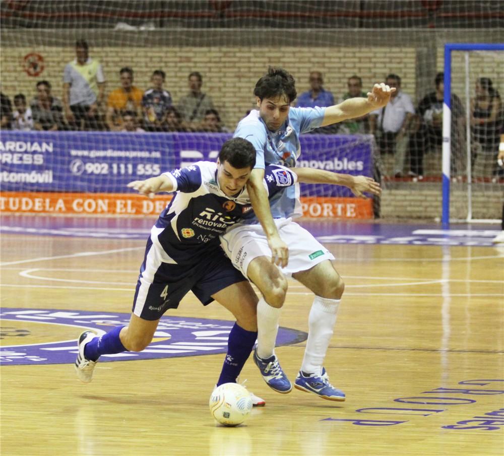 El Santiago Futsal le arrebata la victoria en Tudela al Ríos Renovables