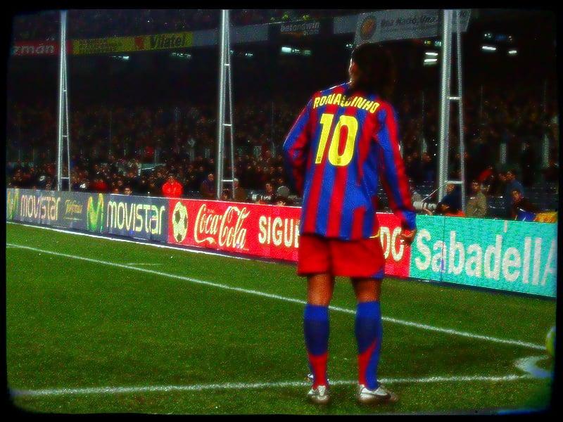 10 ans de la signature de Ronaldinho au FC Barcelone