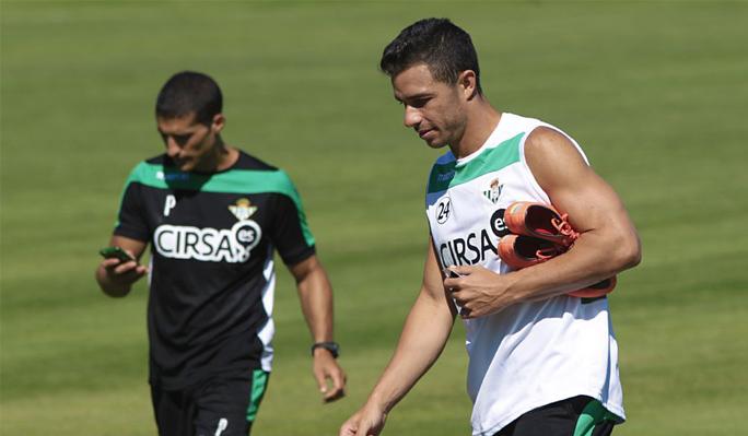 Rubén Castro y Rubén Pérez, ausencias en el entreno matinal