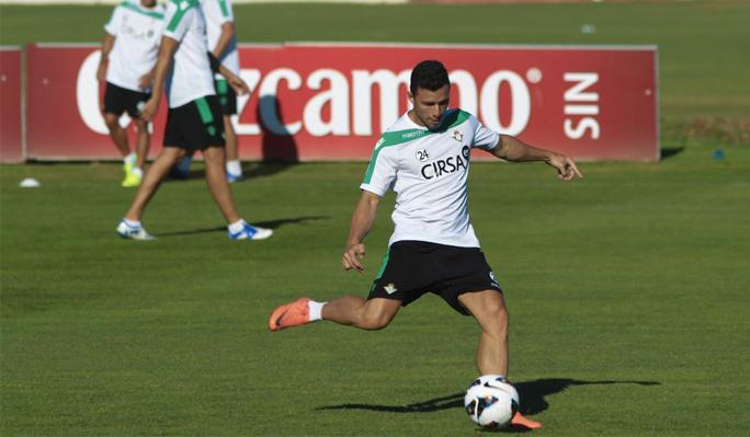 Rubén Castro también será baja contra el Atlético de Madrid