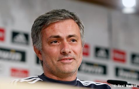 """Mourinho: """"La Liga está prácticamente imposible pero hay que seguir luchando por los objetivos que restan"""""""