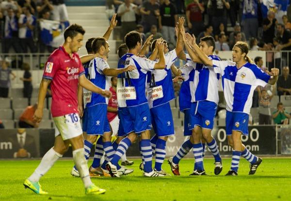 CE Sabadell 2011/12: de más a menos para acabar jugando con fuego