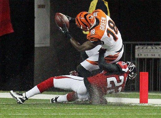 Cincinnati da la cara en el Georgia Dome y suma su segunda victoria