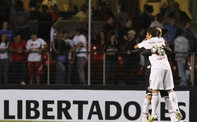 São Paulo passa fácil pelo Bolívar e fica perto da fase de grupos da Libertadores