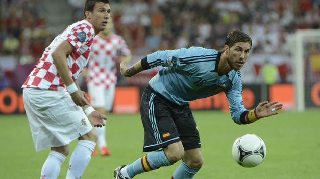 Ramos iguala a Hierro como el segundo zaguero con más partidos internacionales