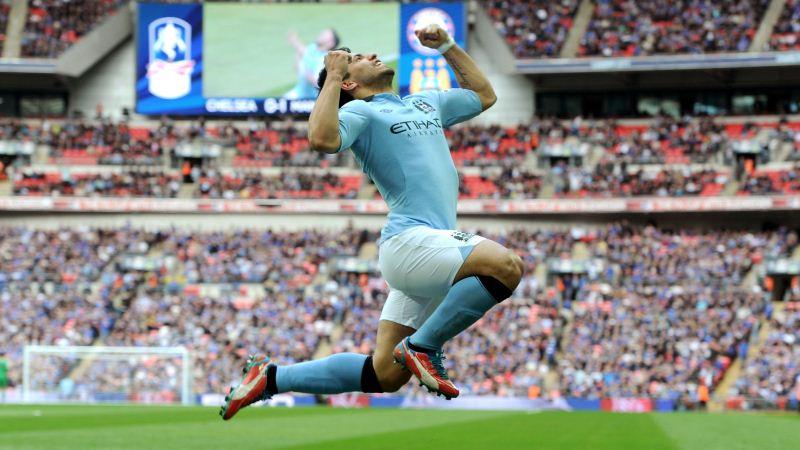 Agüero renova com Manchester City por quatro temporadas