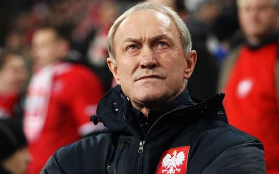 Smuda deja la selección tras el adiós de Polonia