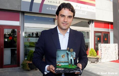 Toril recibe el premio 'Ramón Cobo'