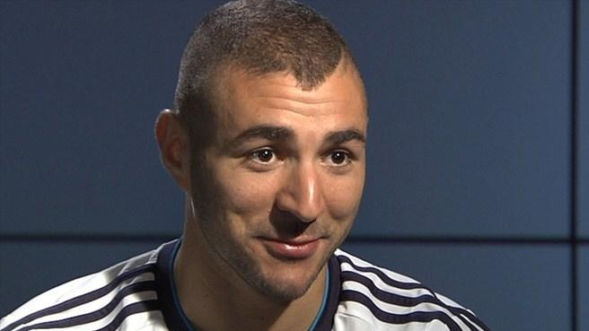 """Benzema: """"Sería muy feliz si lo ganamos todo"""""""