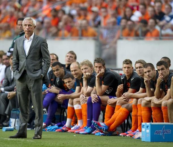 """Van Marwijk: """"Hemos tenido mala suerte en la primera mitad"""""""
