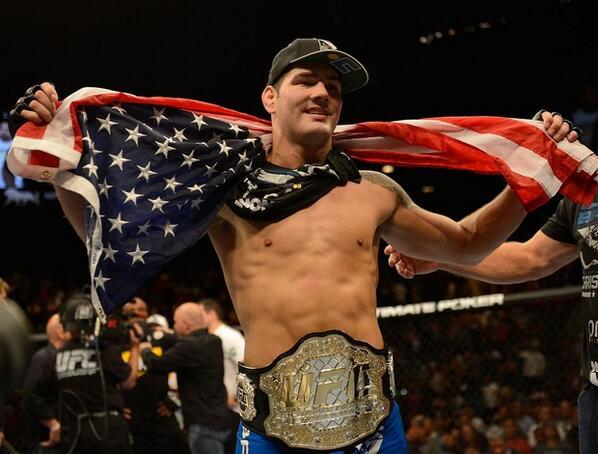 UFC 162: Weidman nuevo campeón, resultados, salarios, suspensiones médicas y más