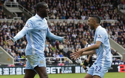 Manchester City file vers le titre, Bolton s'enfonce