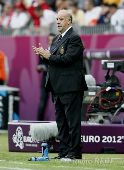 Del Bosque, durante un lance del partido ante Croacia (Imagen: RFEF)