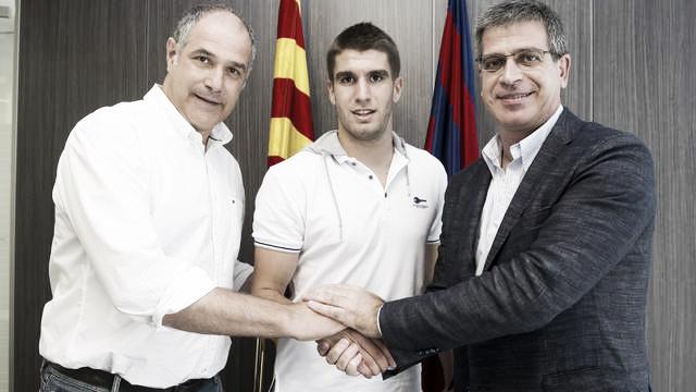 Sergi Juste firmó su contrato y viaja con el filial a Inglaterra