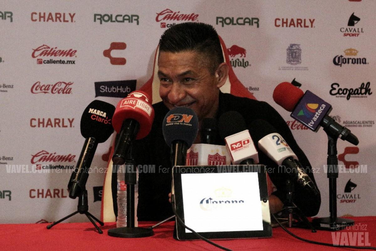 Ignacio Ambriz, feliz por la actitud de su equipo