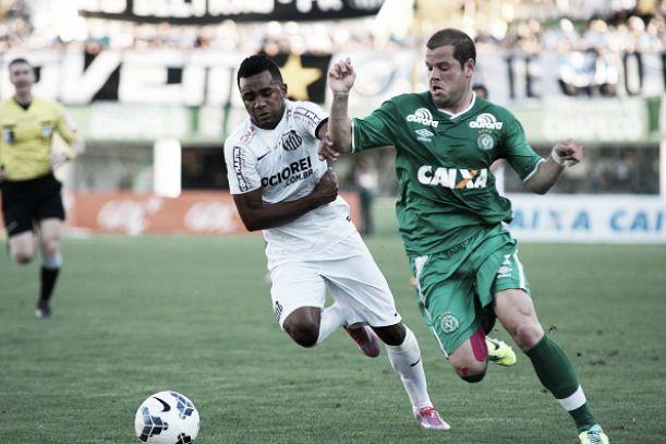 Com gol nos acréscimos, Chapecoense arranca empate com o Santos jogando em casa