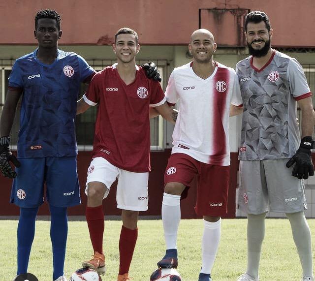 Perto da estreia no Cariocão, América-RJ lança novos uniformes para a temporada