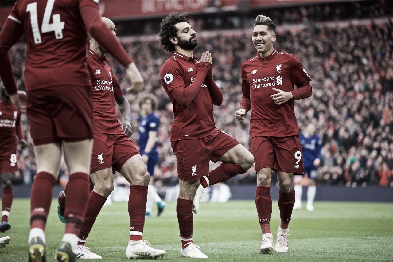 Salah e Mané marcam, Liverpool vence Chelsea e reassume ponta da Premier League