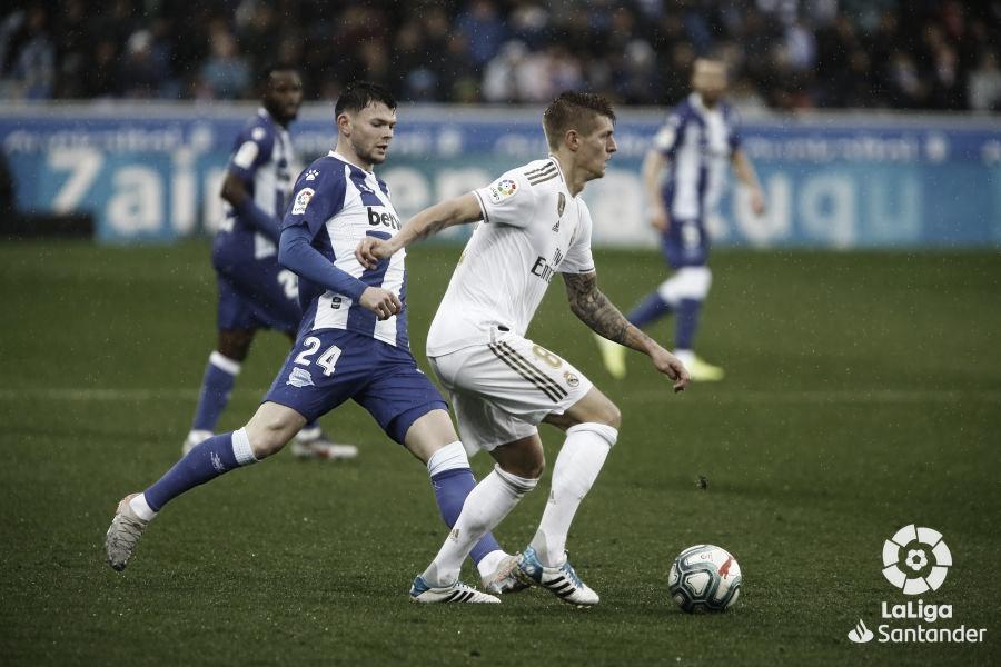 Contra Alavés, Real Madrid busca manter máximo aproveitamento e proximidade do título