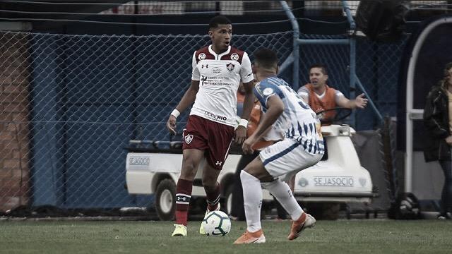 Fluminense sai na frente do placar, mas cede empate no fim para lanterna Avaí