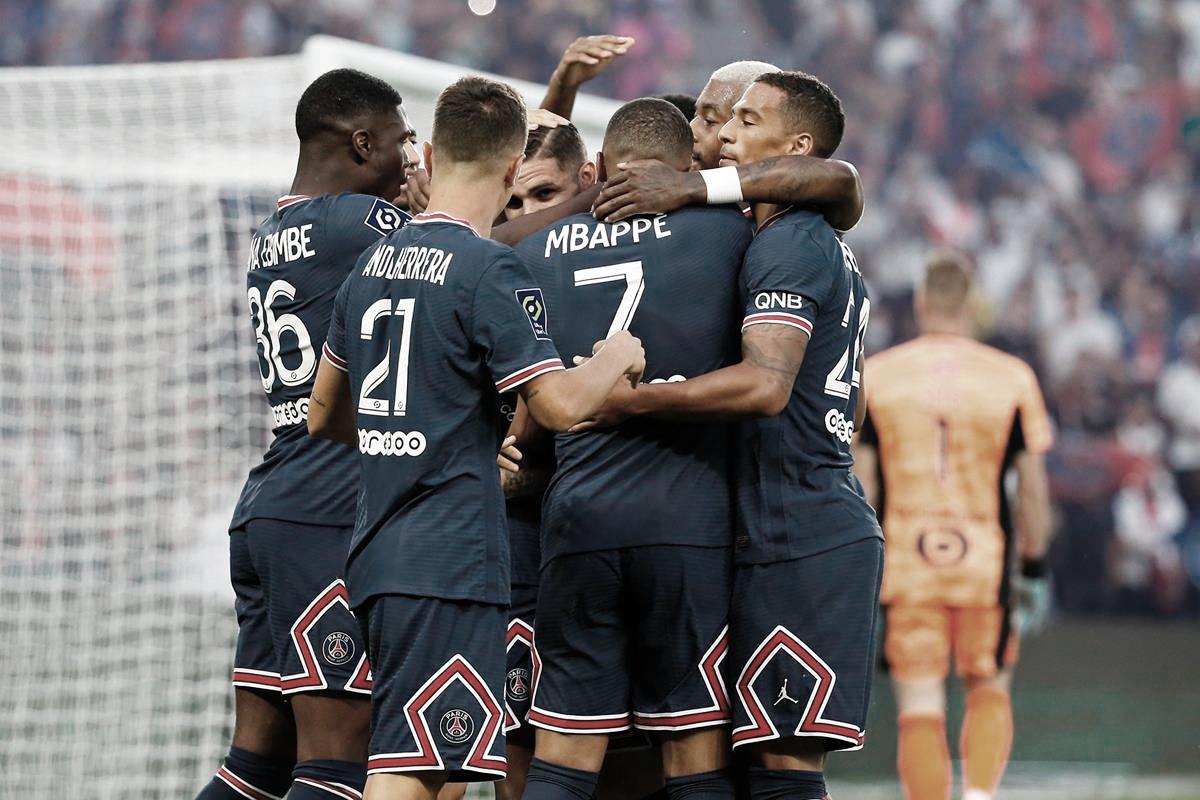 Em cerimônia especial, PSG vence Strasbourg em atuação irregular