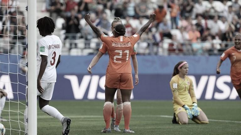 Holanda bate Canadá e termina líder do Grupo E na Copa do MundoFeminina