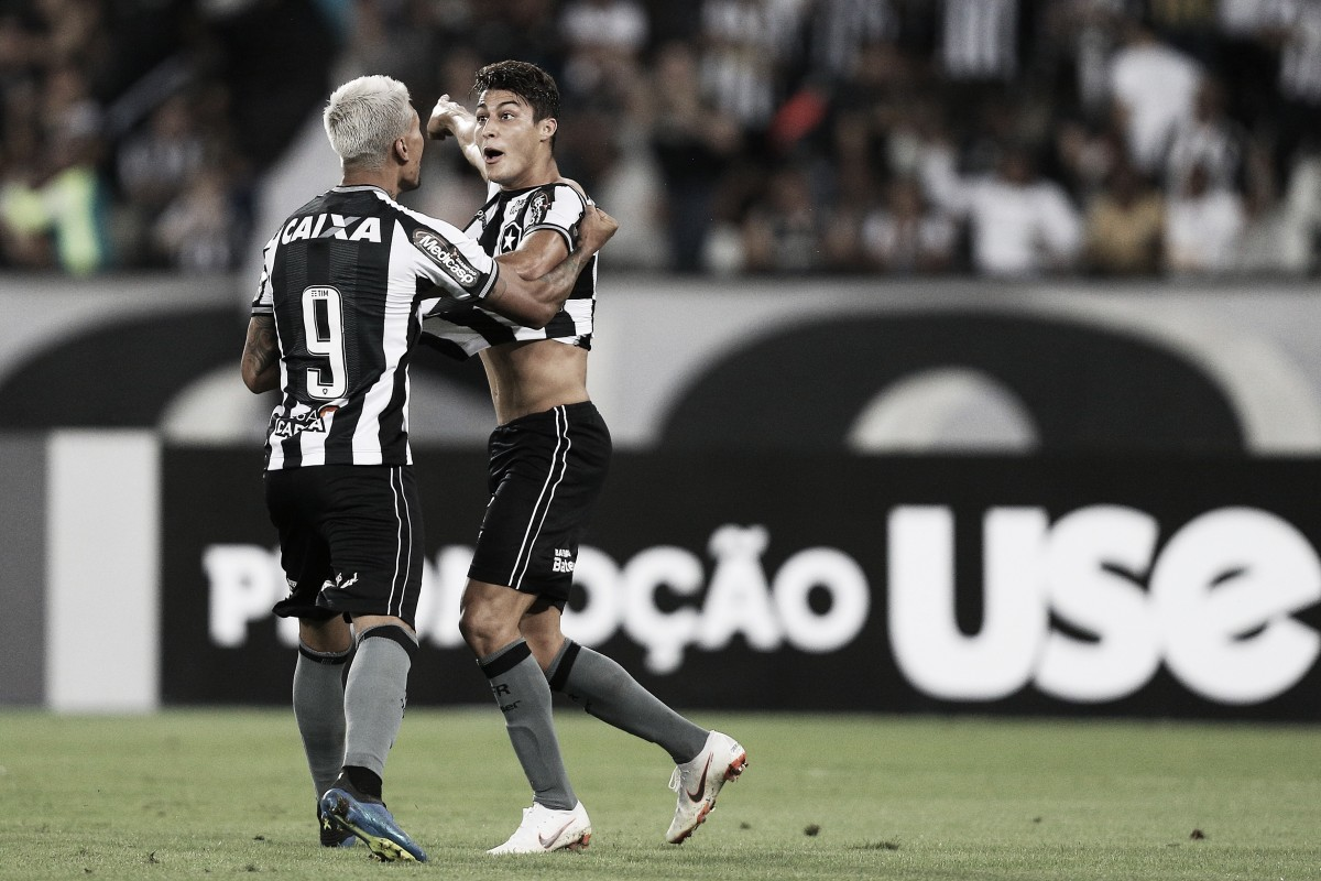 """Marcinho comemora seu primeiro gol pelo profissional do Botafogo: """"Me deixa muito feliz"""""""