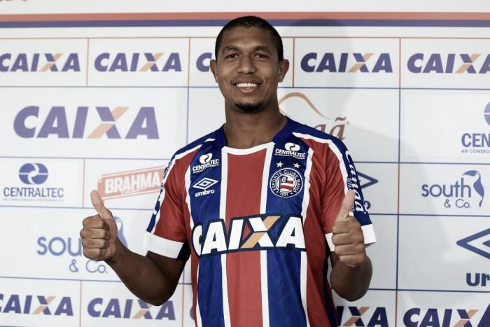 Entra um atacante, sai outro: Bahia anuncia saída de Gustavo e apresenta Rodrigão