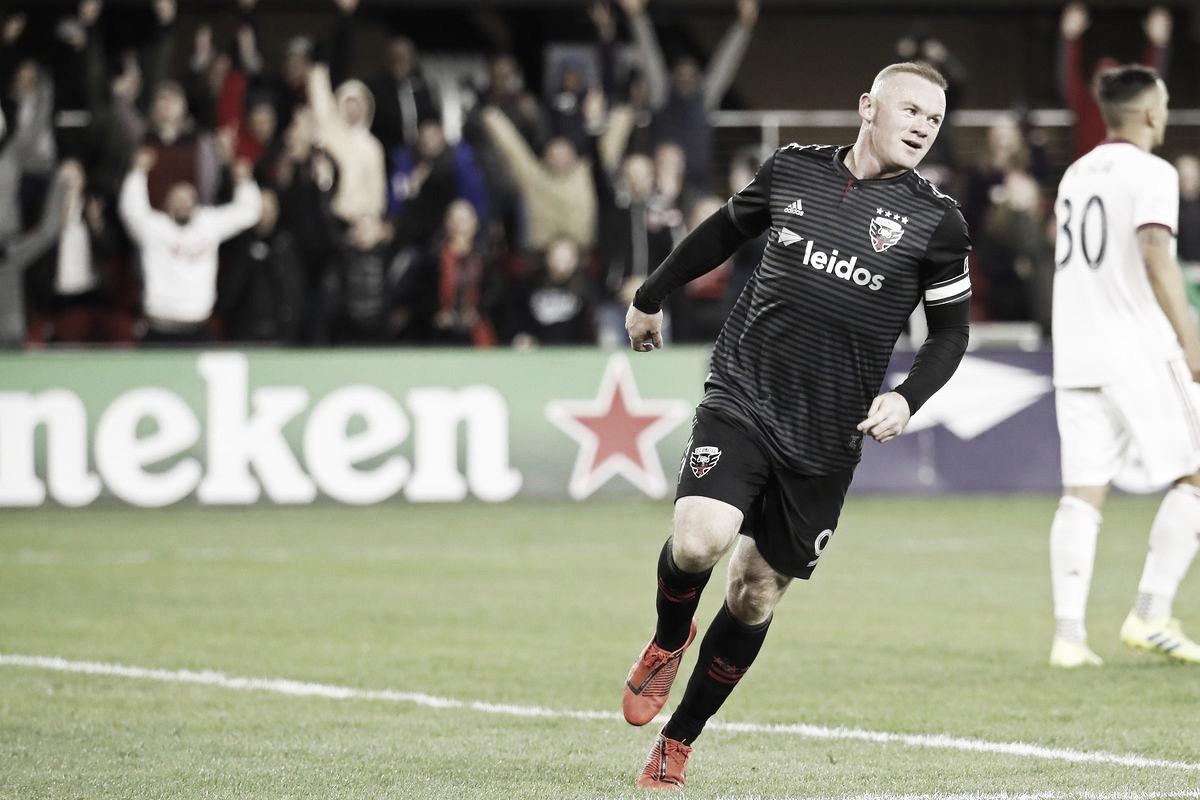 Rooney se corona con un 'hat-trick'