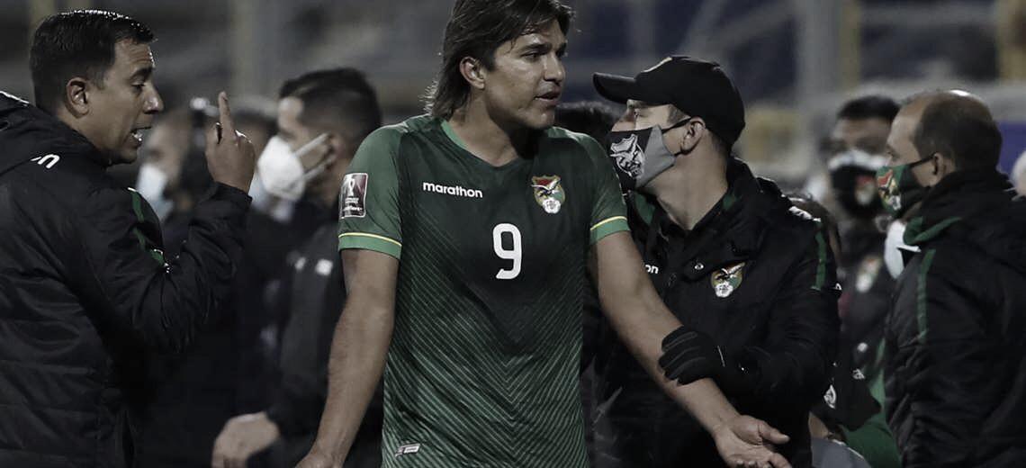César Farías defiende con uñas y dientes a Marcelo Martins