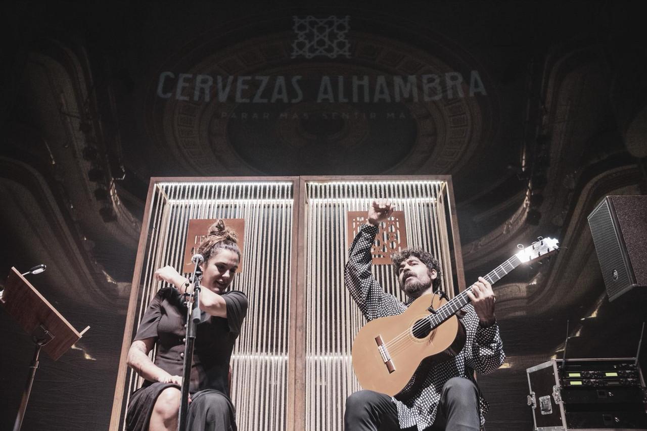 La música de Alba Molina se convierte en magia en los 'Momentos Alhambra en el Escenario' de Alicante