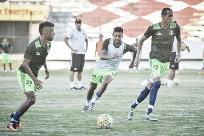 Doriva confirma equipe do Santa Cruz com argentino Pisano entre os titulares