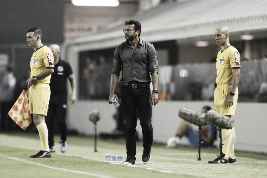 """Valentim lamenta gol no começo do segundo tempo após derrota do Vasco: """"Time estava bem postado"""""""