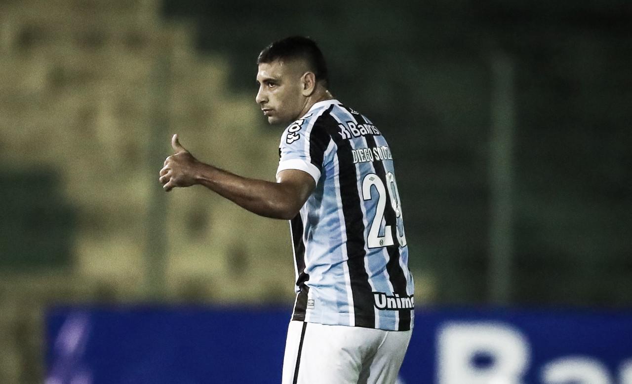 Vasco faz consulta por Diego Souza, atacante do Grêmio