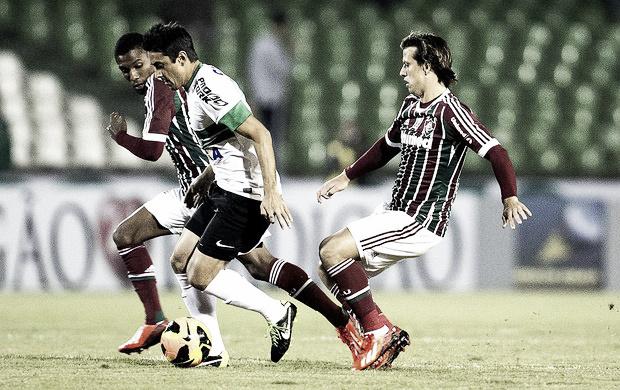 Alex decide, Coritiba vence o Fluminense e assume liderança do Brasileirão