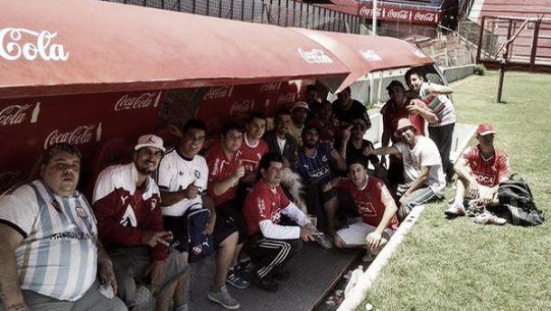 La barra de Independiente comió un asado y jugó un picado en el estadio