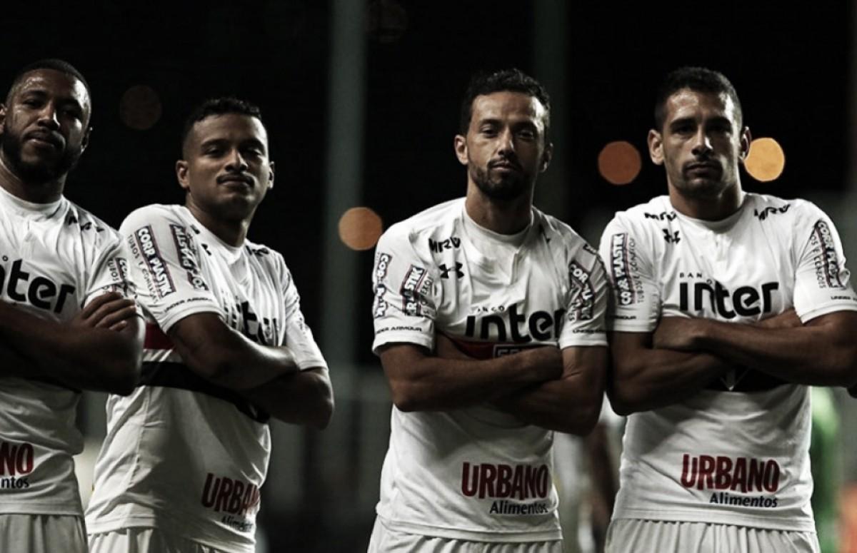Com dois de Nenê, São Paulo vence o América-MG no Independência e encosta de vez nos líderes