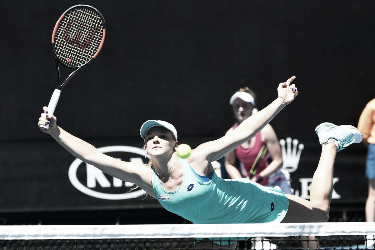 Siniakova/Krejcikova superam Buzarnescu/Kichenok e avançam em Brisbane