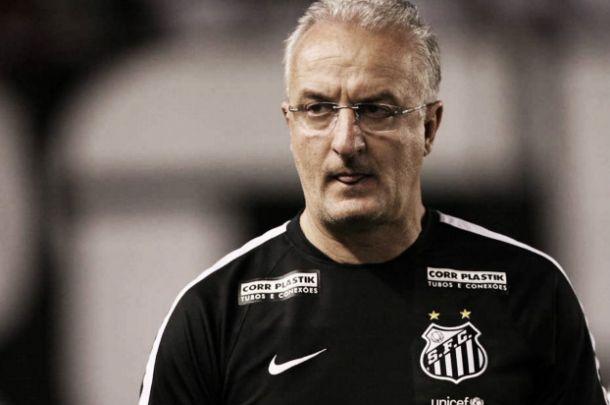 """Dorival exalta """"ponto importante"""" conquistado pelo Santos contra Figueirense fora de casa"""