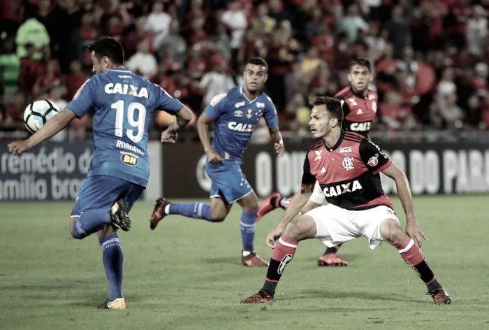 Renê quer que Flamengo evite oscilações para garantir vaga na Libertadores