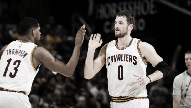Cleveland renueva a sus dos 'cuatros' por cinco años